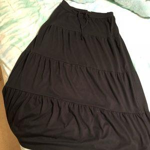 American Eagle black tiered flowy maxi skirt